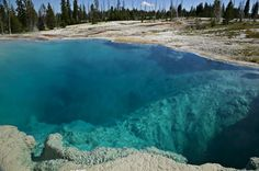 Turquoise Hot Springs / Yellowstone National Park, Wyoming