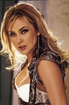 Aracely Arambula is a Mexican actress, singer and model, born in Chihuahua on March Beautiful Black Women, Most Beautiful, Beautiful Eyes, Pin Up Girl Vintage, Mexican Actress, Famous Women, Pretty Face, Pretty Woman, Glamour