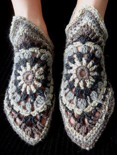 omⒶ KOPPA: Byzantine slippers