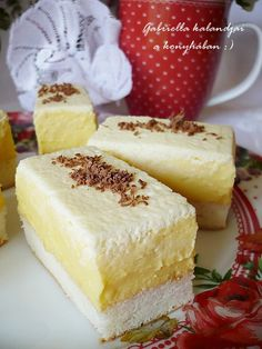 Broccoli and coconut cake - Clean Eating Snacks Desserts To Make, Sweet Desserts, Sweet Recipes, Cake Recipes, Dessert Recipes, Hungarian Desserts, Hungarian Recipes, Hungarian Food, Just Eat It