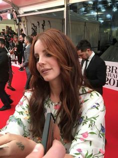 Lana Del Rey arrives the BRIT Awards 2016 at The Arena on February 2016 in London, England Elizabeth Grant, Queen Elizabeth, Pretty People, Beautiful People, Brit Awards 2016, Brooklyn Baby, Celebs, Celebrities, Role Models