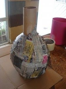 Paper Mache Projects, Paper Mache Crafts, Cardboard Crafts, New Crafts, Diy And Crafts, Diy Cardboard Furniture, Newspaper Crafts, Bottle Art, Vases
