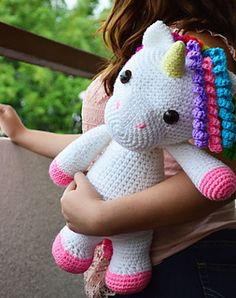 Make your own Unicorn with this CROCHET PATTERN. ~~ this is SO freaking cute!!!