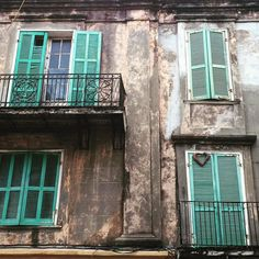 Loving the #frenchquarter this morning  #Nola #architecture #classic #vintage #balcony #relentlesstourist #strollin #lookup by tsopkovich