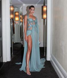 Taylor Hill, Donatella Versace, Victoria Secret Angels, Prom Dresses, Formal Dresses, Red Carpet, Celebrity Style, Gowns, Celebrities