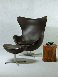 Fritz Hansen, Egg Chair Und Ottoman, Arne Jacobsen 2006, Leder Dunkelbraun
