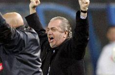 Napoli, il giocatore pronto a tornare La situazione in casa Napoli per quanto riguarda l'attacco, si può definire emblematica. Tra infortuni e brutte prestazioni, si cerca un rimedio. Sondati vari fronti, quello più facilmente percorribi #napoli #azzurri #calciomercato