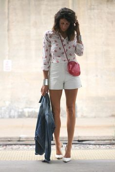 I love this lips blouse!