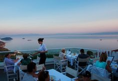 A look at some of my favourite places to eat in Skopelos by Martin Beckett Skopelos is rich in eating establishments purveying the classic dishes of local cooking,but even… Skopelos Greece, Holiday List, Greece Islands, Travel Memories, Nice View, Places To Visit, World, Beach, Water