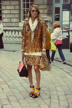 """PRINT PERFECT"" #twopiece #correspondingcolours #leopard #animal #streetstyle #lfw"