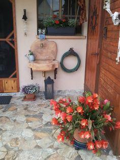 Lavello da giardino in pietra ricostruita alleggerita, modello: Anterselva, finitura: mattone. Installato dal cliente in Lussemburgo.