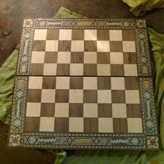 Isn´t it beautiful? Furniture Restoration, Chess, Vintage Furniture, Retro, Wood, Beautiful, Instagram, Gingham, Woodwind Instrument