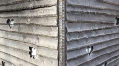 Vergraute Holzfassade