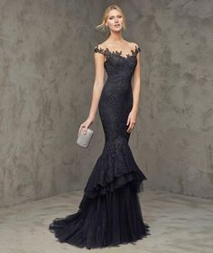 FUVIAL - Black cocktail dress with plunging back | Pronovias