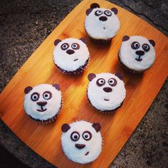 Panda Cupcakes - A chocolate cupcake base with vanilla buttercream, and a chocolate chip face :: Chelsweets Mini Cupcake Pan, Mini Cupcakes, Cupcake Cakes, Cupcake Ideas, Cup Cakes, Vanilla Layer Cake Recipe, Vanilla Recipes, Vanilla Cake, Baking Recipes