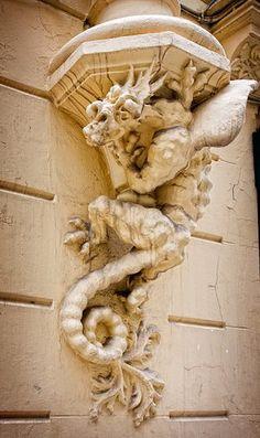 Casa de los Dragones, Valencia
