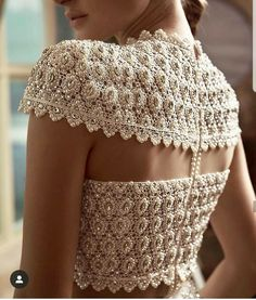 White Pearls Lehenga Blouse Back Design. See more amazing lehenga blouse designs only on Bridal Blouse Designs, Saree Blouse Designs, Blouse Styles, Sari Design, Diy Design, Blouse Lehenga, Moda Indiana, Stylish Blouse Design, Mode Style