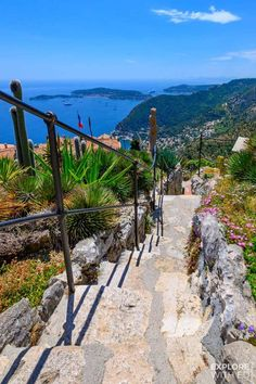 <br> A day trip to the charming village of Eze in the South of France with travel tips for local buses and taxis from Nice and Villefranche-sur-Mer. France Photography, Travel Photography, Villefranche Sur Mer, Road Trip Europe, South Of France, Eze France, Provence France, Beautiful Places To Travel, Travel Aesthetic