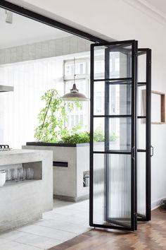 Porta scorrevole in vetro per separare la cucina dalla zona giorno ...