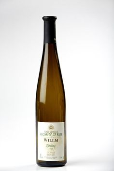 """In cold weather, pour a glass of white wine from Alsace, France. """"Don't rule out white wines with your cold-weather fare. Instead, look for weightier examples with the heft to match the season's cuisine. Unique Wine Glasses, Custom Wine Glasses, Personalized Wine Glasses, Alsace France, Need Wine, Wine Education, French Wine, Wine Glass Set, Wine Cabinets"""