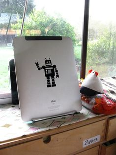 Robot decal for your iPad ereader kindle nook by circlelinestudio, $5.00