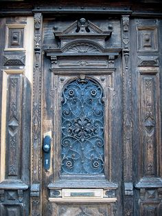 ornate door in a ramdom corner of Wittenberg.