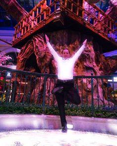 Tadasana Tree Pose  #vegasyogi #yogaforlife #yoga #yogatime #yogatoday #yogalife #fitfam #fitlife #fitfun #yogaspirit #yogasoul