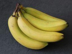 10 utilizzi della la buccia di banana: dalle pulizie ai trattamenti di bellezza