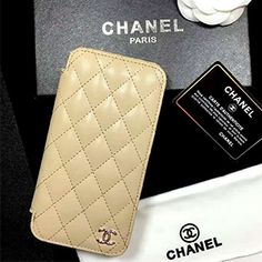 シャネル iphone9/8ケース 可愛い iphone7ケース chanel 有名人愛用 ラグジュアリー Chanel Paris, Wallet, Cases, Handmade Purses, Diy Wallet, Purses