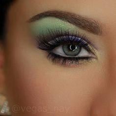 Pretty colorful eyeshadow