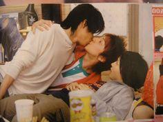 Toma-kun said that they had to shoot kissing scenes with Oguri Shun for Hana Kimi Hanazakari No Kimitachi E, Shun Oguri, Kissing Scenes, Men Kissing, Japanese Drama, Strong Girls, Drama Series, Series Movies, Confessions