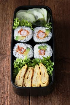Sushi bento with Tamagoyaki ♥♡ Sushi Lunch, Aesthetic Food, Lunch Recipes, Asian Recipes, Food Inspiration, A Food, Food Porn, Healthy Eating, Meals