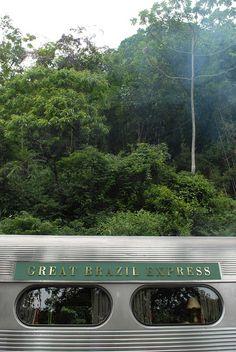 """Trem """"Great Brazil Express Luxury"""". Curitiba, Paraná. Brasil."""