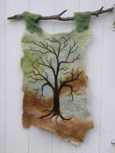 Tree Needle Felted Wool Wall Hanging by Letitgotoyourhead Wool Wall Hanging, Hanging Art, Needle Felted Animals, Felt Animals, Felt Tree, Felt Pictures, Felted Wool, Felted Scarf, Needle Felting Tutorials