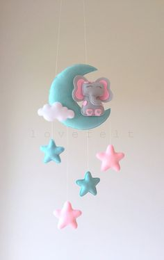 Baby mobile – moon mobile – elephant mobile – moon and stars mobile Mobiler elefant mobiler elefant von lovefeltmobiles Star Mobile, Felt Mobile, Baby Mobile, Mobile Mobile, Elephant Mobile, Baby Elephant, Felt Crafts, Diy And Crafts, Diy Bebe
