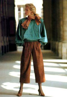 Vogue, September 1989 Photographer : Arthur Elgort Model : Elaine Irwin