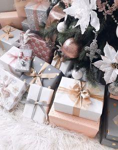 Christmas Present Wrap, Family Christmas Gifts, Noel Christmas, Christmas Gift Wrapping, Christmas Presents, Holiday Gifts, Christmas Ideas, Cheap Christmas, Santa Gifts