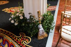 Beautiful Ballroom Garden Wedding in Washington DC Elise and Dana first crossed… – Garden İdeas Jumping The Broom, Garden Floor, Friends Set, Blind Dates, Rooftop Garden, Garden Pots, Washington Dc, Garden Wedding, Ladder Decor