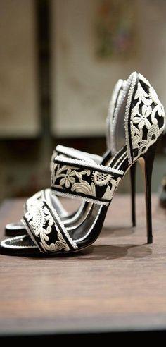 Manolo Blahnik #Shoes #Studio27 #personalshopper #Breda