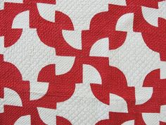 tremendous handquilting, antique red and white drunkards path quilt, c1900, Vintageblessings