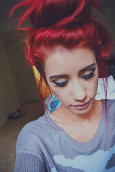 Best Hairstyles for Red Hair: Loose Hair Knot Loose Hairstyles, Pretty Hairstyles, Girl Hairstyles, Wedding Hairstyles, Hair Styles 2014, Long Hair Styles, Girl Hair Colors, Hair Knot, Emo Hair