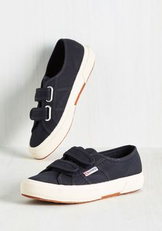 If You've Got It, Jaunt It Sneaker. Match your on-the-go lifestyle with these navy sneakers, and get movin! #blue #modcloth