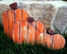 Beadboard pumpkins. Love these little guys.