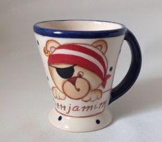 Canecas personalizadas feitas em cerâmica e pintadas à mão. 100 % artesanais Capacidade de 100 mls Pedido mínimo de 20 canecas R$ 15,00