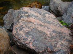 Early Proterozoic gneiss in Glenwood Canyon, asymmetry, irregularity, Fukinsei 不均整
