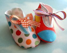 Baby Shoes Sewing Pattern with Appliques and Ribbon Ties PDF