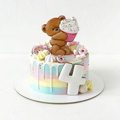 Радужный торт, как и карамельные мишки, полюбился многим . Внутри #йогуртовыйтортик с ароматным лимонным бисквитом, клубничным йогуртовым кремом, клубничной джемовой прослойкой и лимонным курдом в самом ❤️. Вес 1,5 кг. Пряники + 670₽ к стоимости торта. . Цена торта зависит от нужной Вам начинки и её веса! . С ассортиментом и ценами можно ознакомиться на моем сайте, активная ссылка в шапке профиля . Заказ следует оформить за несколько недель до нужной даты. Ещё лучше - за несколько месяце Super Cookies, Cake Cookies, Cake Mix Recipes, Easy Cookie Recipes, Birthday Cake Girls, Birthday Cookies, Baby Cakes, Baby Shower Cakes, Mini Tortillas