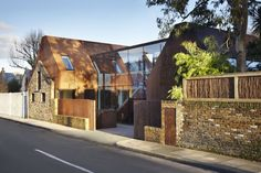 Gorgeous modern Kew House is clad in prefab weathering steel by Piercy & CompanyArchiExpo Architecture Antique, Architecture Renovation, Architecture Résidentielle, Architecture Wallpaper, British Architecture, Architecture Portfolio, Red Ghost, Weathering Steel, Colors