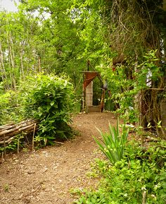 every serious gardener needs a loo in the woods