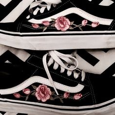 vans, shoes, and black image Sock Shoes, Vans Shoes, Cute Shoes, Me Too Shoes, Shoe Boots, Shoes Heels, Vans Sneakers, Converse, Sneakers Fashion